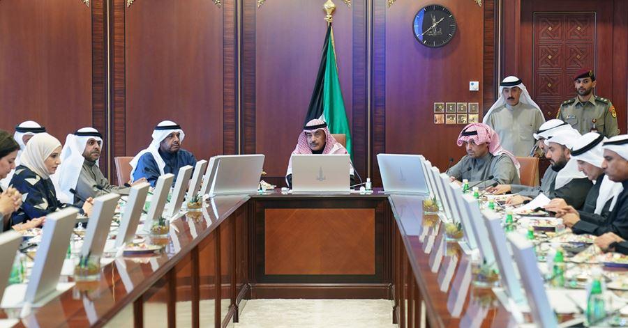 kuwaiti meeting cabinet covid19