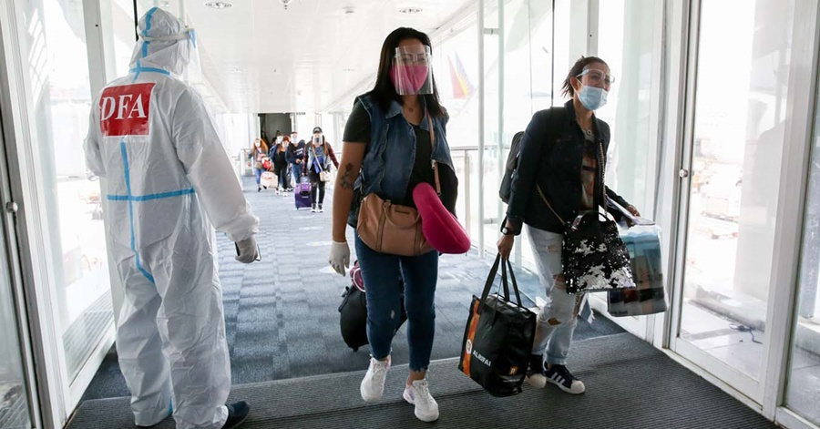 OWWA Chief to OFWs: 'Postpone Return to PH Amid Spike in COVID Cases'